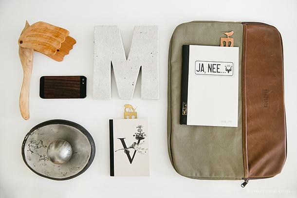 Office desk decor at KAMERS 2014 Stellenbosch & Irene - www.kamersvol.com. Photo by Claudia De Nobrega, Styling by Anneke Roux.