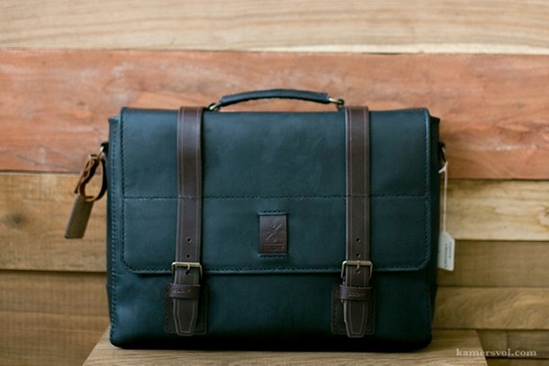 Fashion finds on KAMERS blog - Leather bag by Colony - www.kamersvol.com